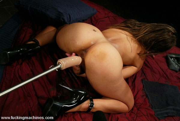 tasty josie jagger loves to ride a fat dick shaft